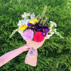 Bouquet of 10 colourful flowers
