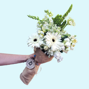 Bouquet of ten white and green flowers